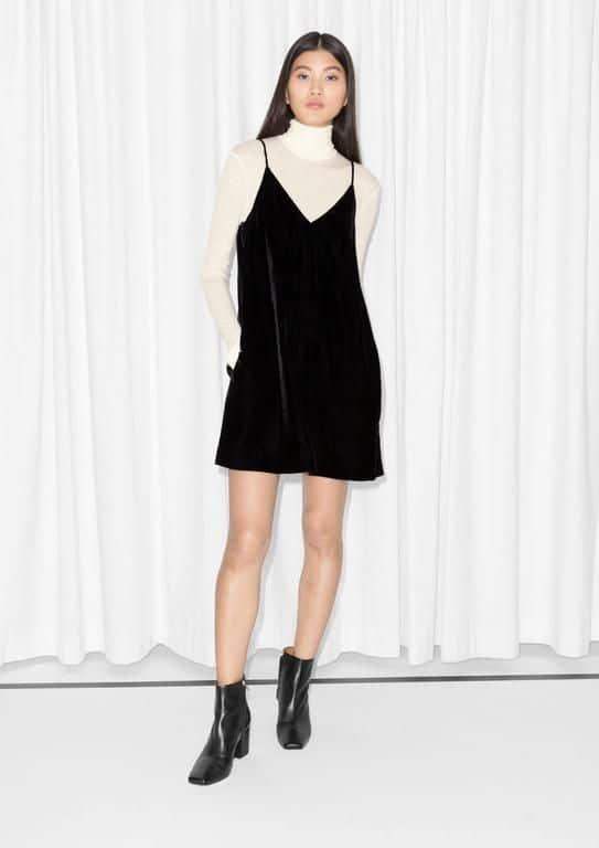 vestido negro de terciopelo con polera