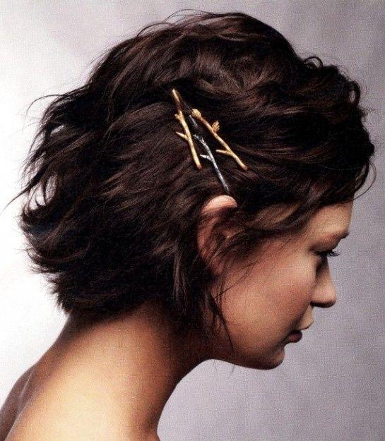 peinado con hebilla cabello corto