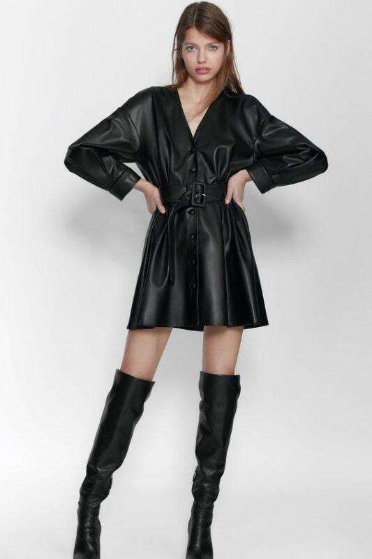 Outfit de noche vestido de cuero negro abotonado