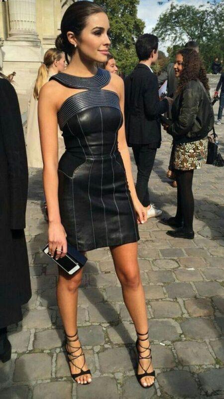 Outfit de noche vestido de cuero negro ajustado 1