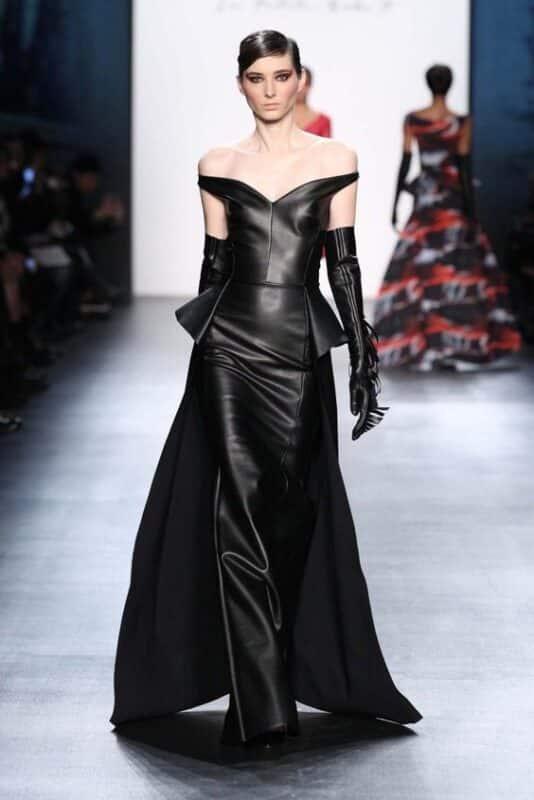 Outfit de noche vestido de cuero negro de gala