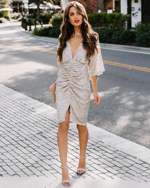 vestido plata sandalias rosa 1