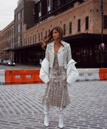 vestido plata y campera cuero blanca