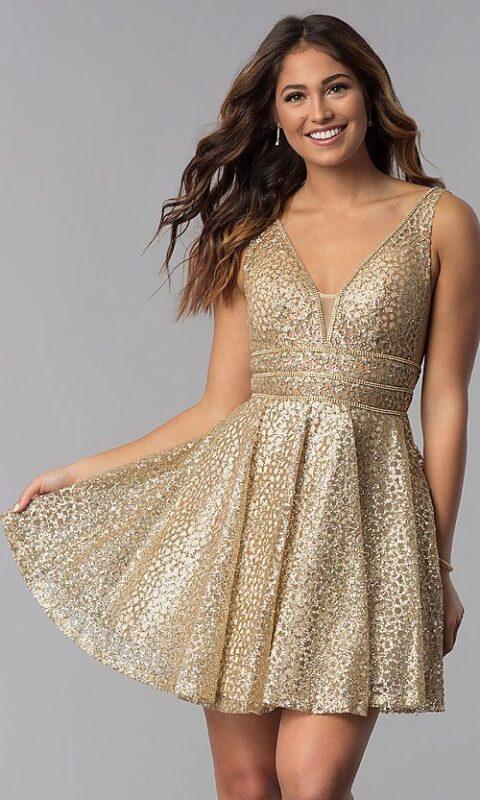 vestido corto falda acampanada dorado