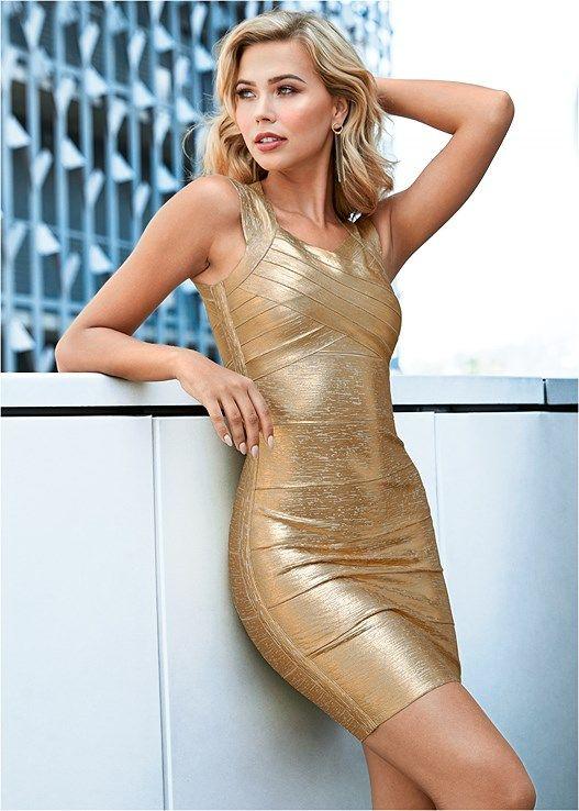 vestido dorado engomado