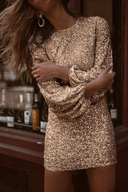 vestido dorado mangas abullonadas