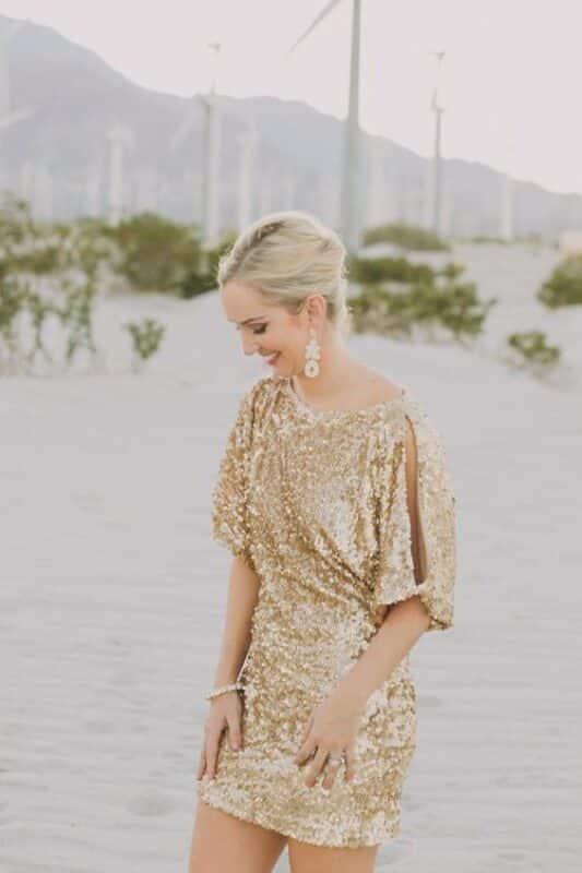 vestido dorado mangas cortas para la noche