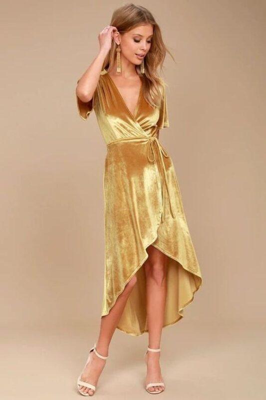 vestido midi dorado para la noche