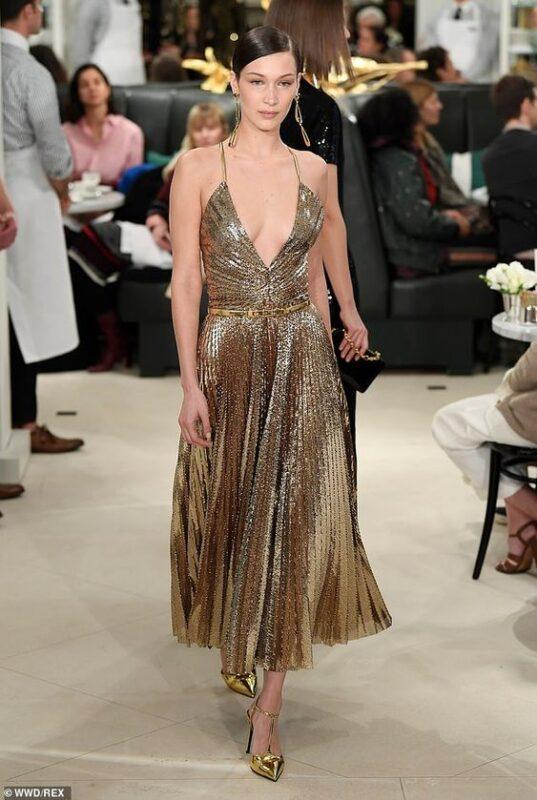 vestido midi estileto dorados