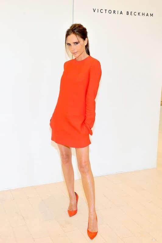 vestido naranja suelto mangas largas